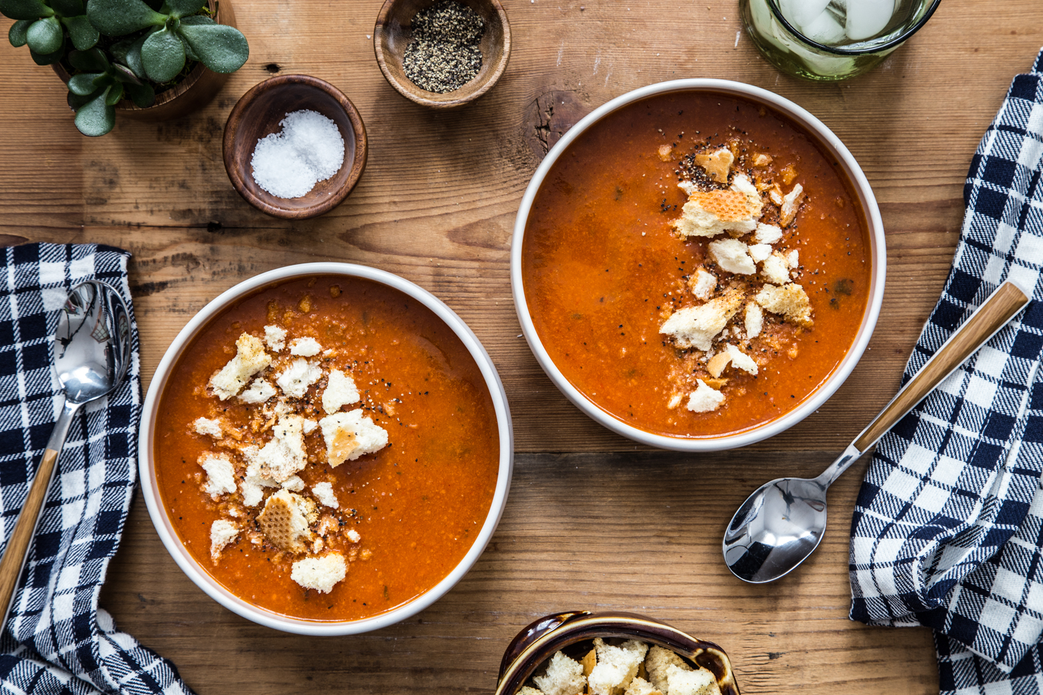 Roasted Tomato Soup with Garlic Croutons