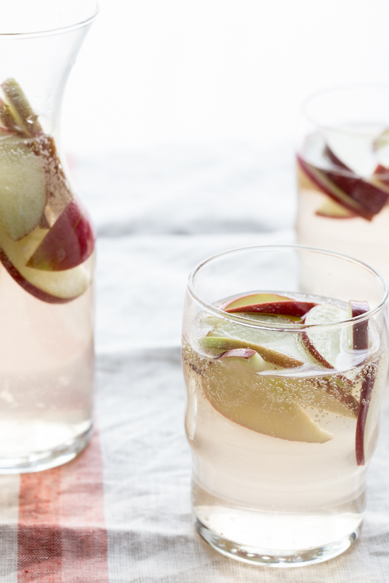 Apple Sangria - Jelly Toast