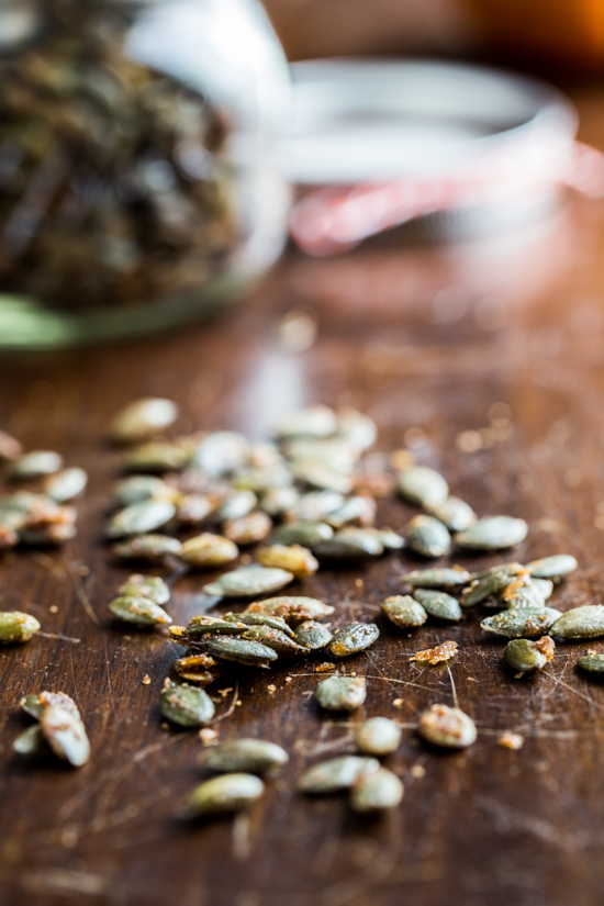maple roasted pumpkin seeds (4 of 5)