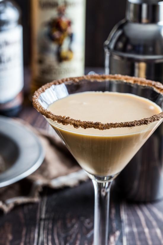 pumpkin eggnog martini #CaptainsTable - Jelly Toast