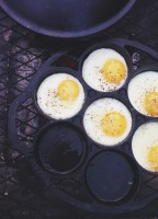campfire eggs by jelly toast