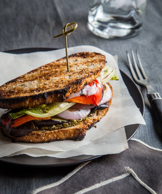 Grilled Veggie Sandwiches | www.jellytoastblog.com #WeekdaySupper #ChooseDreams