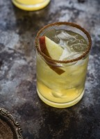 Apple Cider Margarita | www.jellytoastblog.com