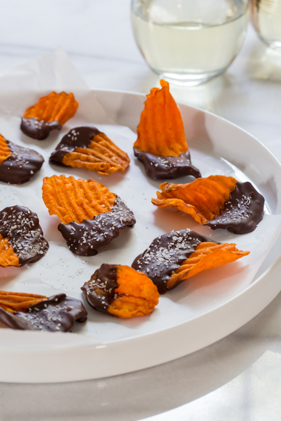Chocolate Dipped Sweet Potato Chips | jellytoastblog.com