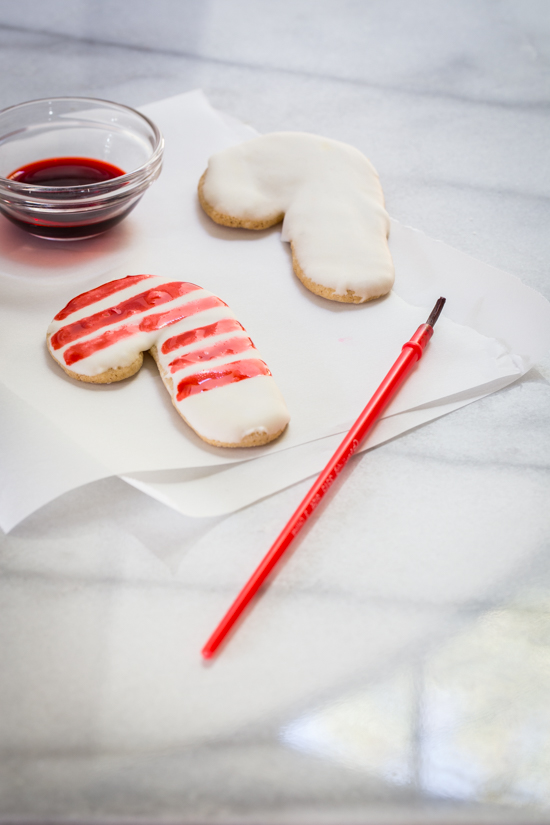 Holiday Flavor Painted Cookies with McCormick | jellytoastblog.com