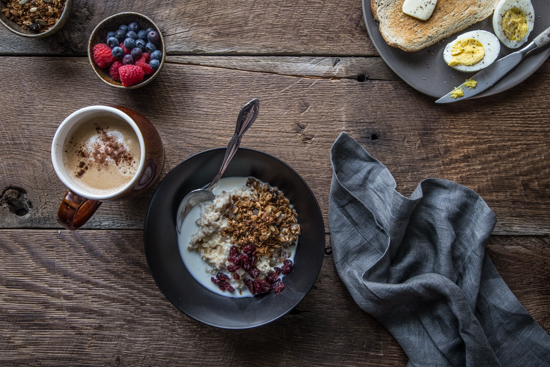 Oatmeal with Milk and Granola | www.jellytoastblog.com (3 of 8)
