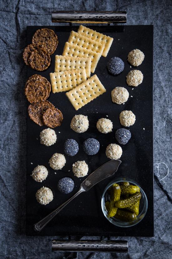 Mini Cheese Balls | JellyToastBlog.com