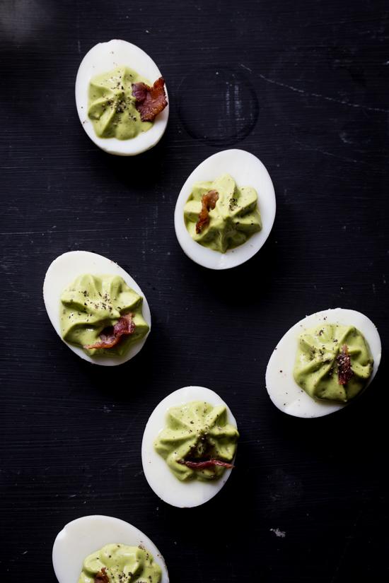 Spinach Bacon Deviled Eggs | jellytoastblog.com