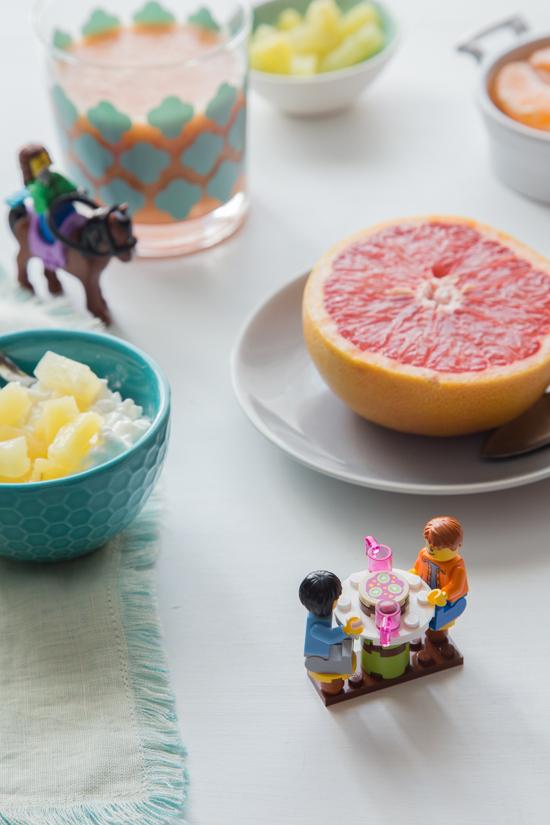 Grapefruit Pineapple Smoothie // Jelly Toast