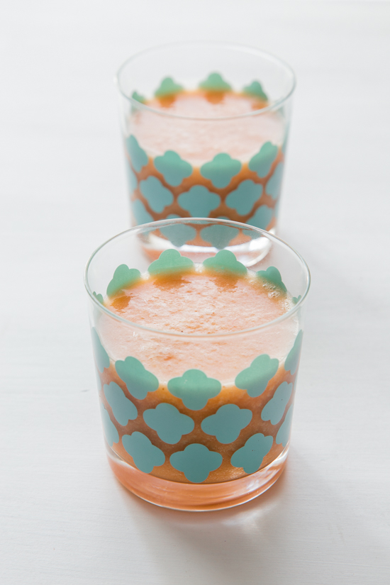 Grapefruit Pineapple Smoothie //  Jelly Toast