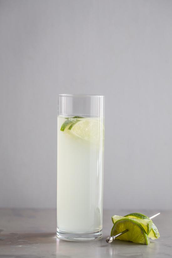 Le Fizz Cocktail | JellyToastBlog.com