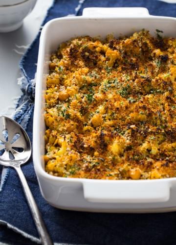 Roasted Cauliflower and Chickpea Mac and Cheese | JellyToastBlog.com