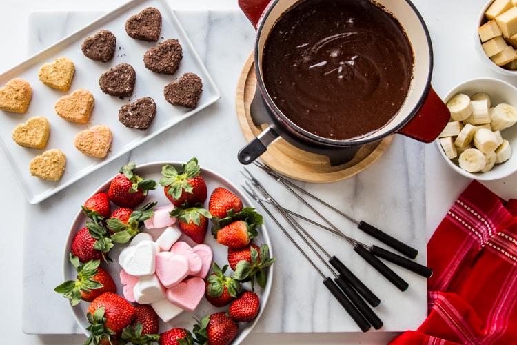 Chocolate Marshmallow Fondue | JellyToastBlog.com