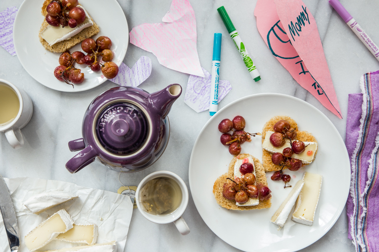 Roasted Grape Brie Toast | JellyToastBlog.com