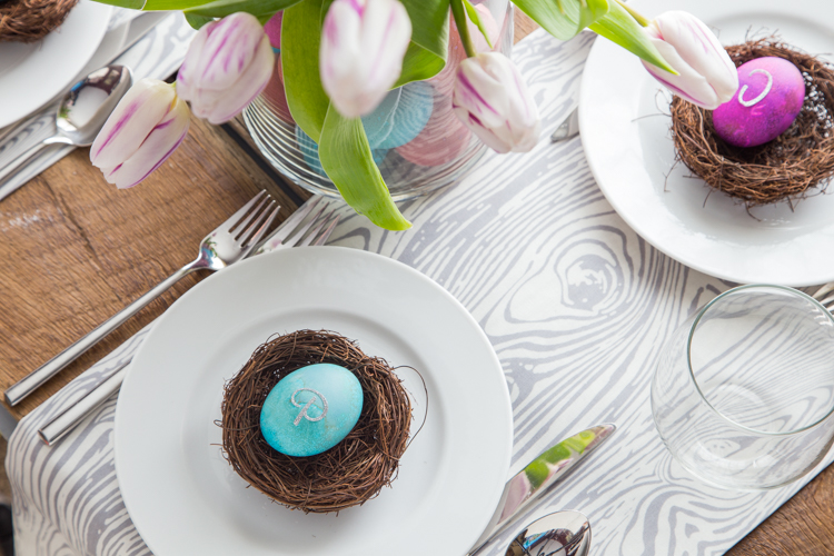 Easter Egg Table Decorations | JellyToastBlog.com