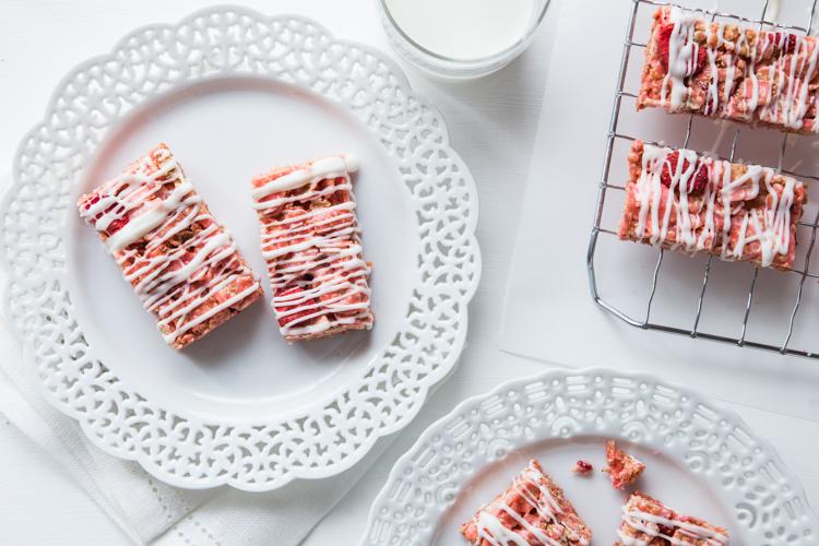 Strawberry Coconut Marshmallow Treats | JellyToastBlog.com