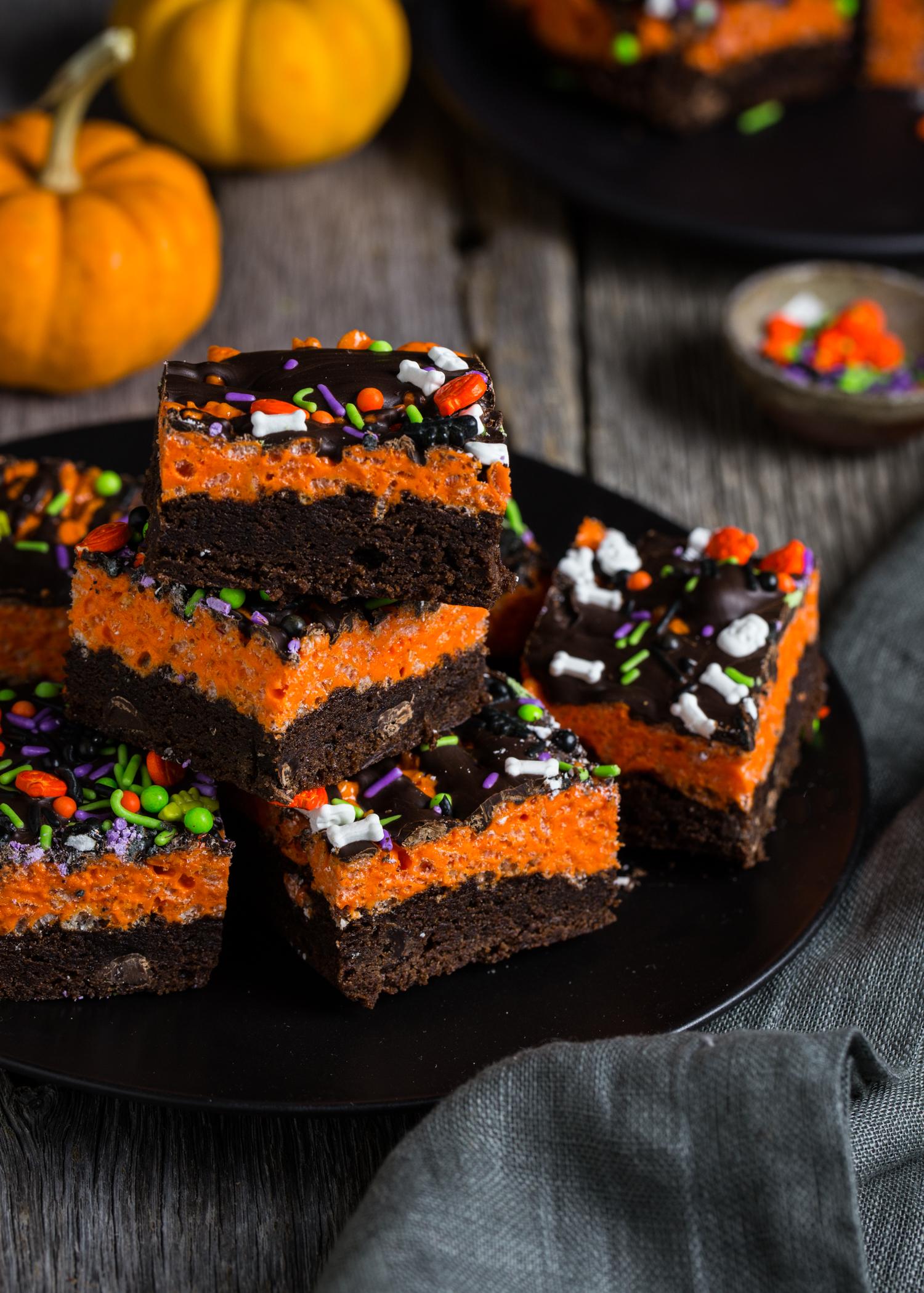 Brownie Krispy Treats | JellyToastBlog.com