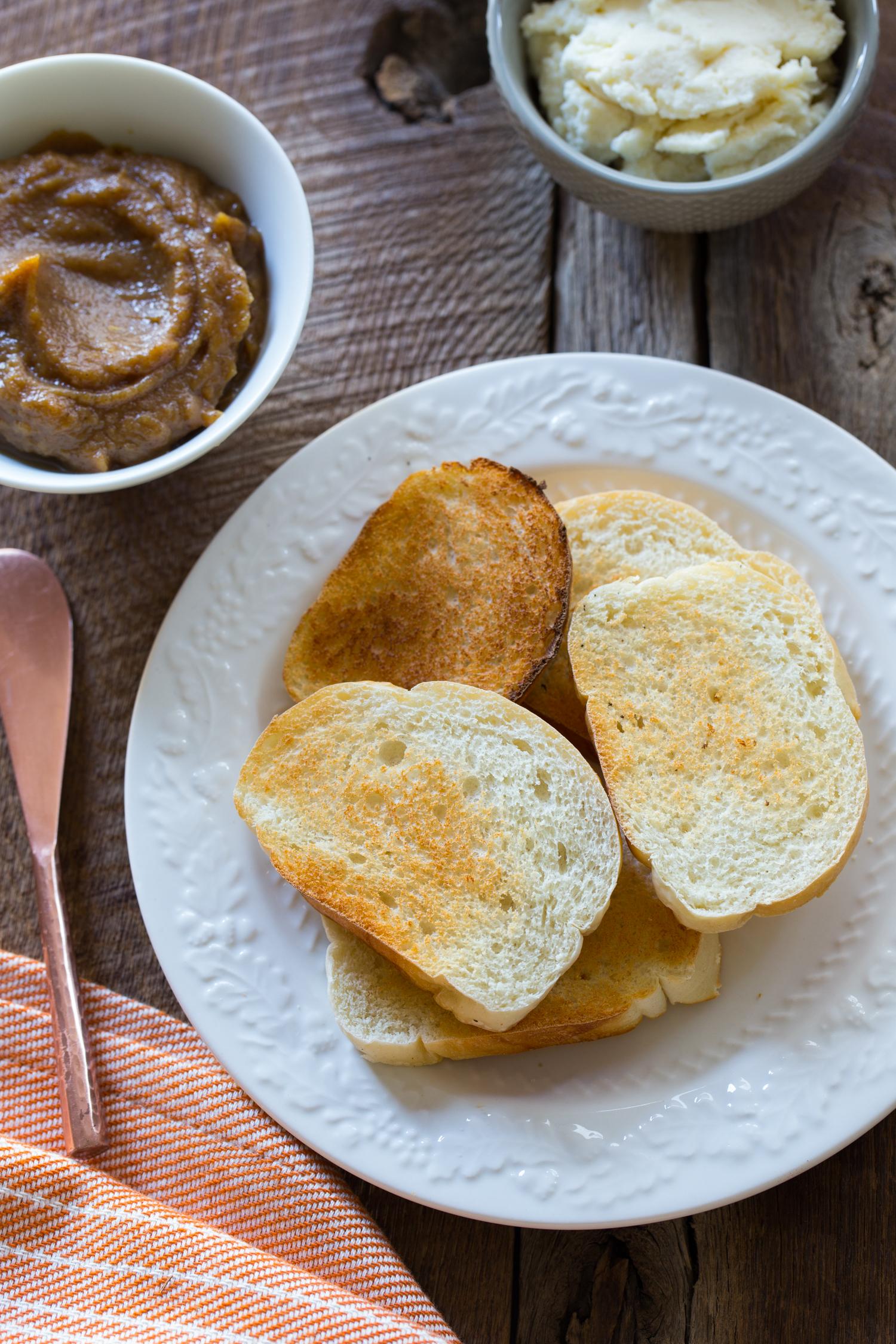 Pumpkin Butter Ricotta Cheese Toast | JellyToastBlog.com