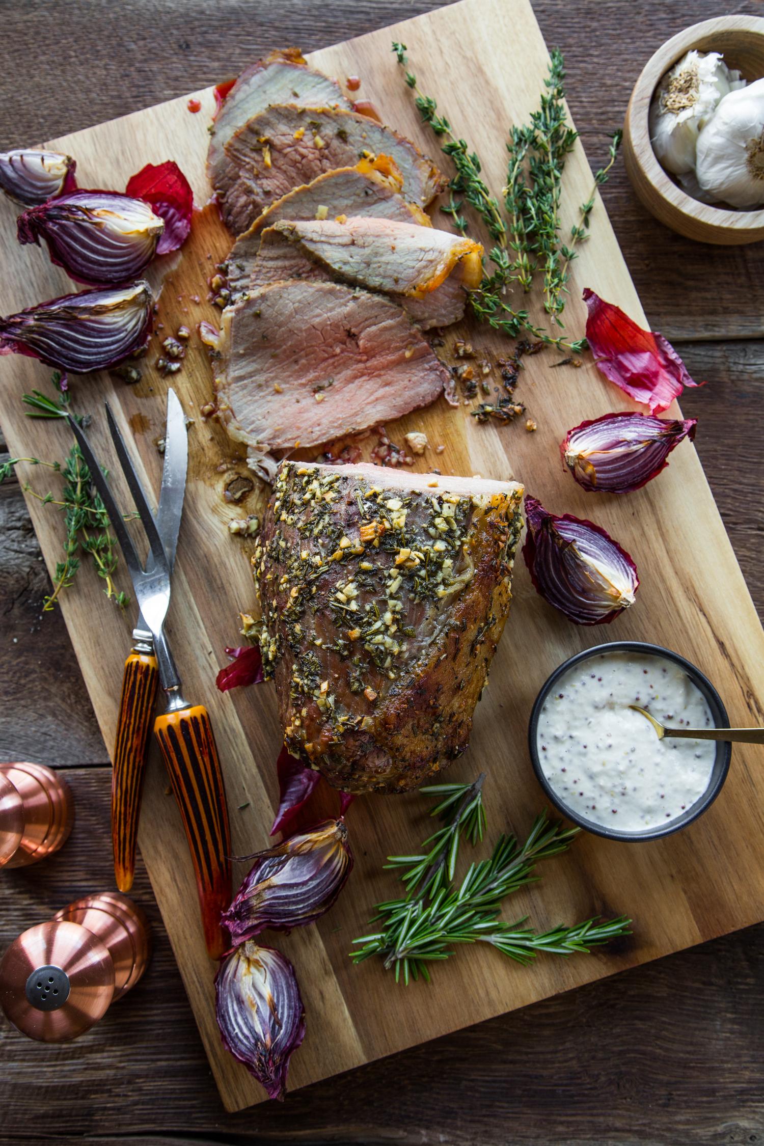 Garlic Herb Roast Beef | JellyToastBlog.com