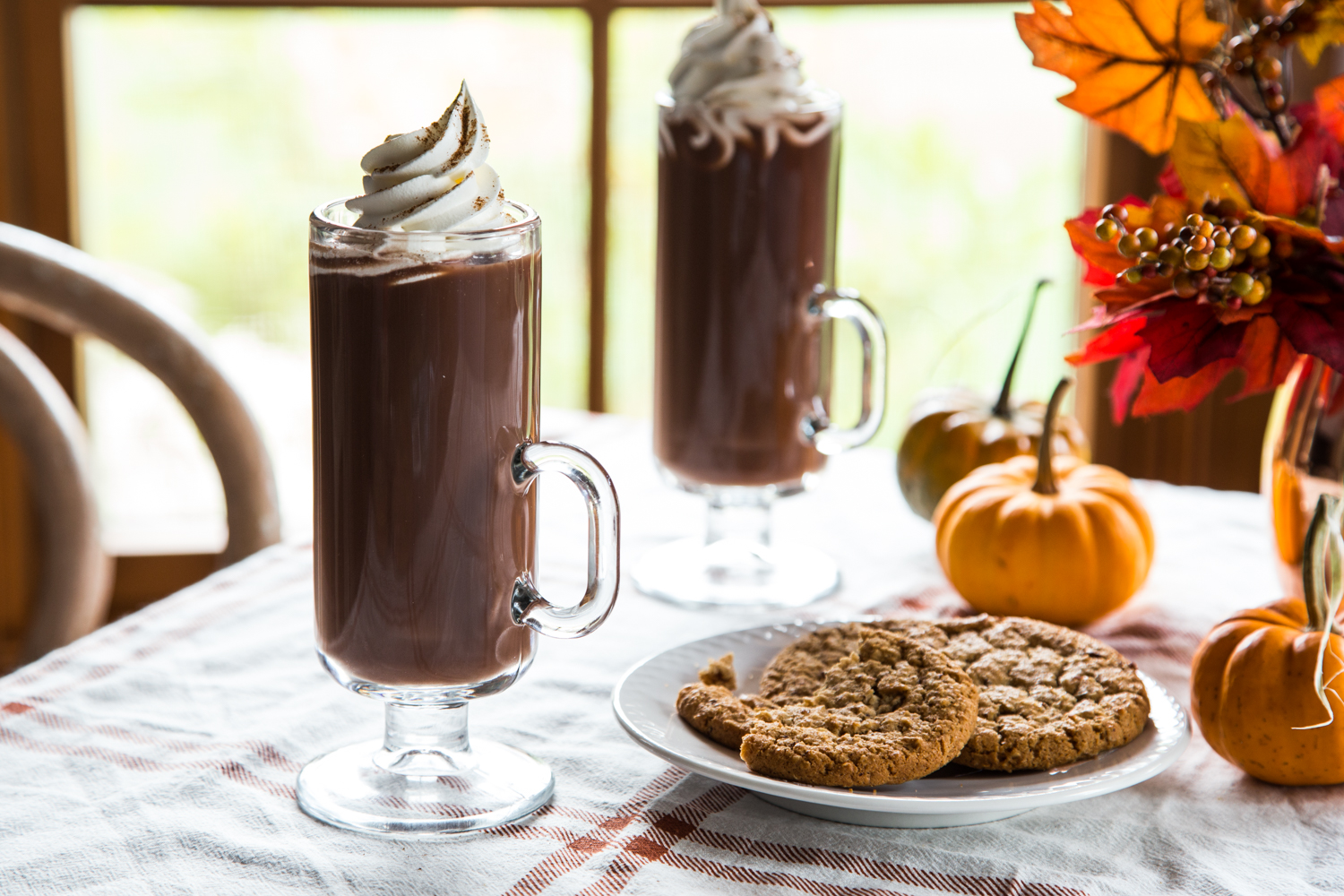 Spiked Pumpkin Spice Hot Chocolate - Jelly Toast