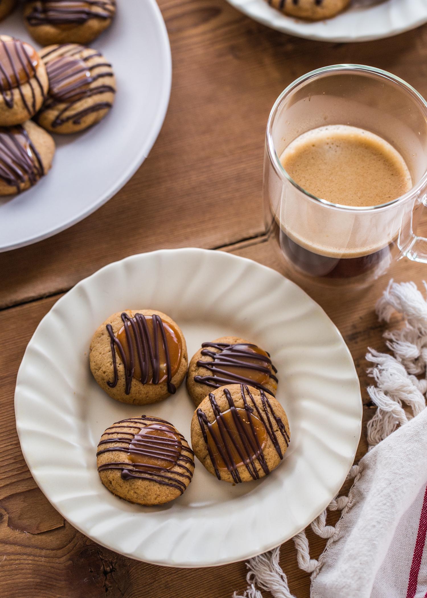 Ginger Caramel Thumbprint Cookies | JellyToastBlog.com