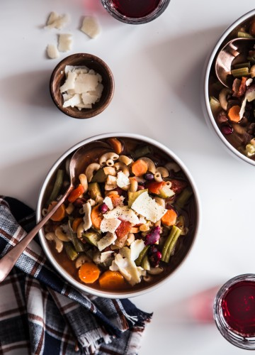 Slow Cooker Minestrone Soup is the perfect weeknight meal