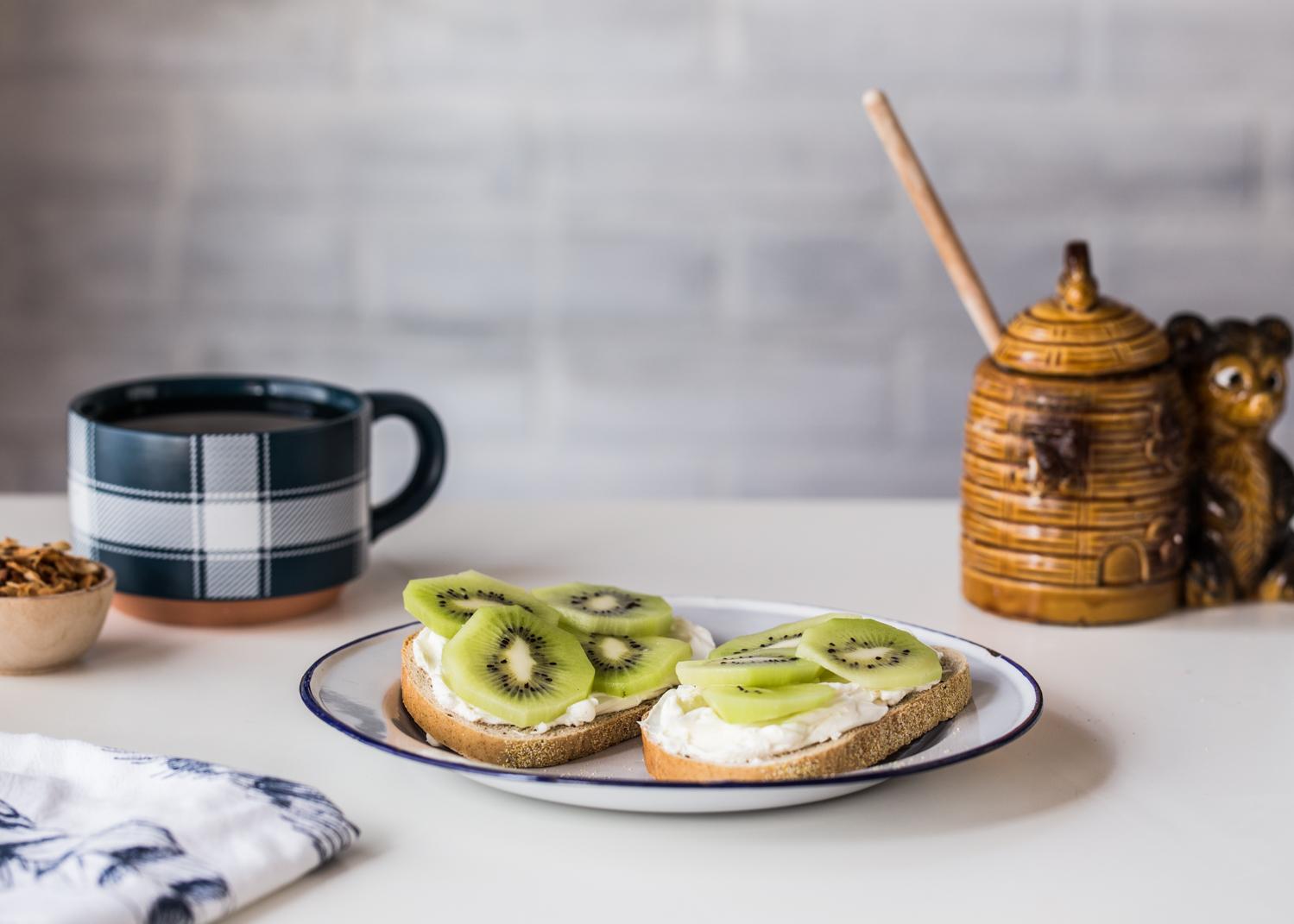 Kiwi Cream Cheese Toast