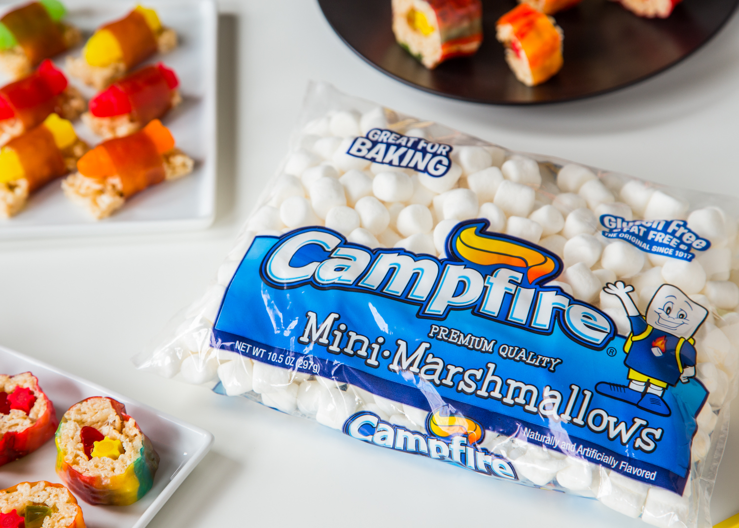 Campfire® Marshmallows are perfect for the base of these amazing little marshmallow treat sushi!