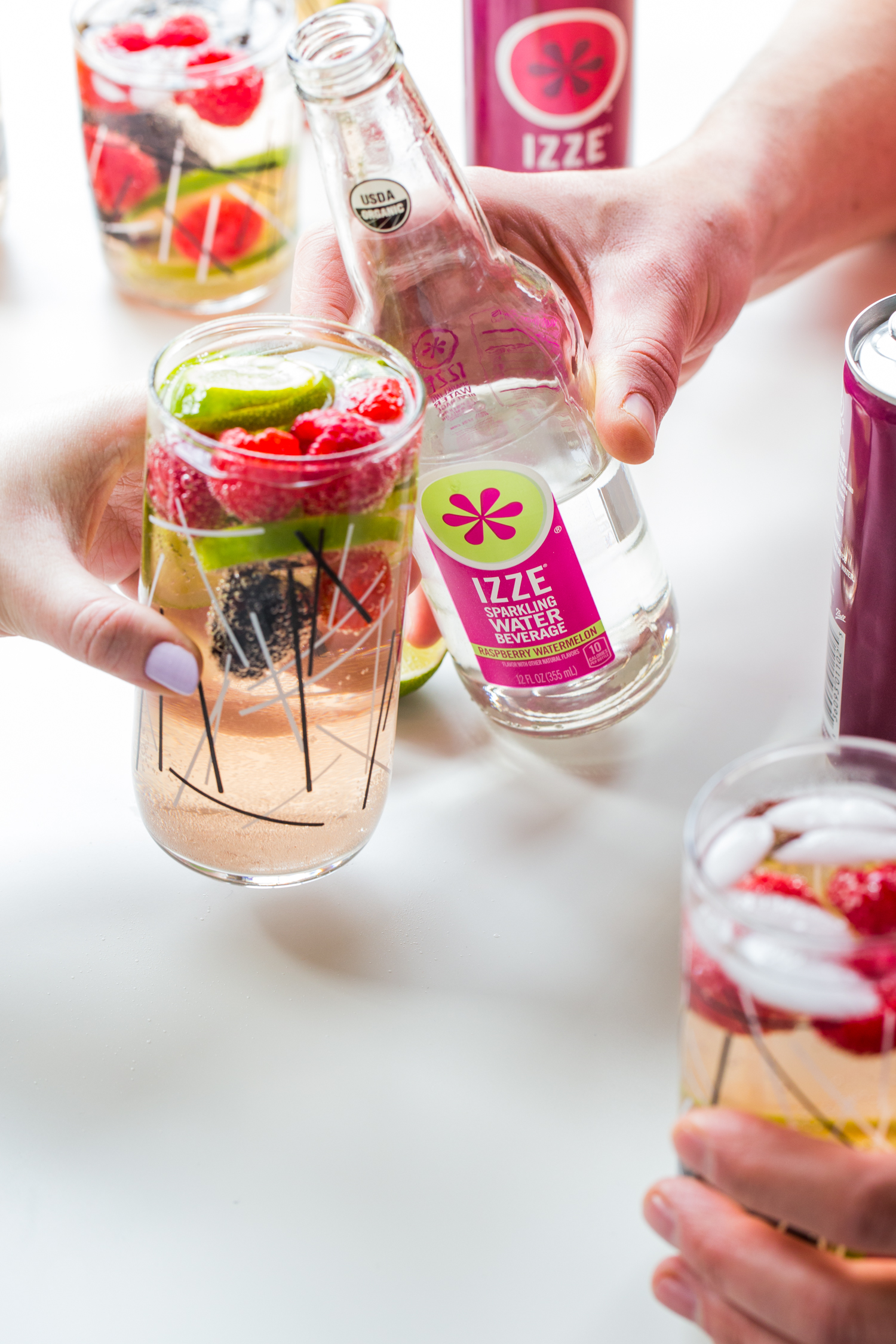 Share some Sparkling Berry Sangria with your friends this weekend <3