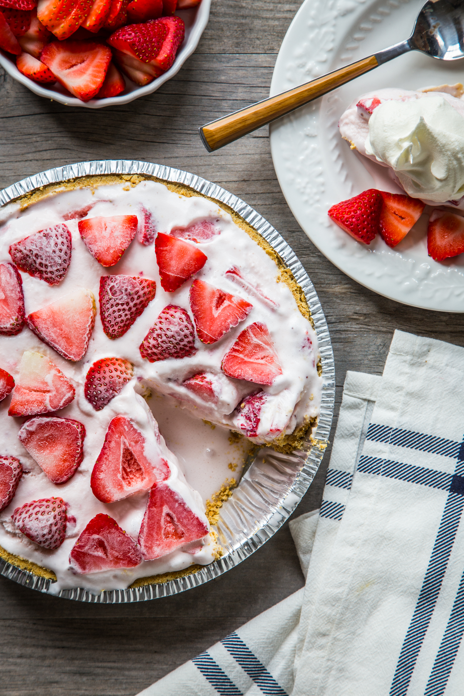 Easy Ice Cream Pie - Strawberry