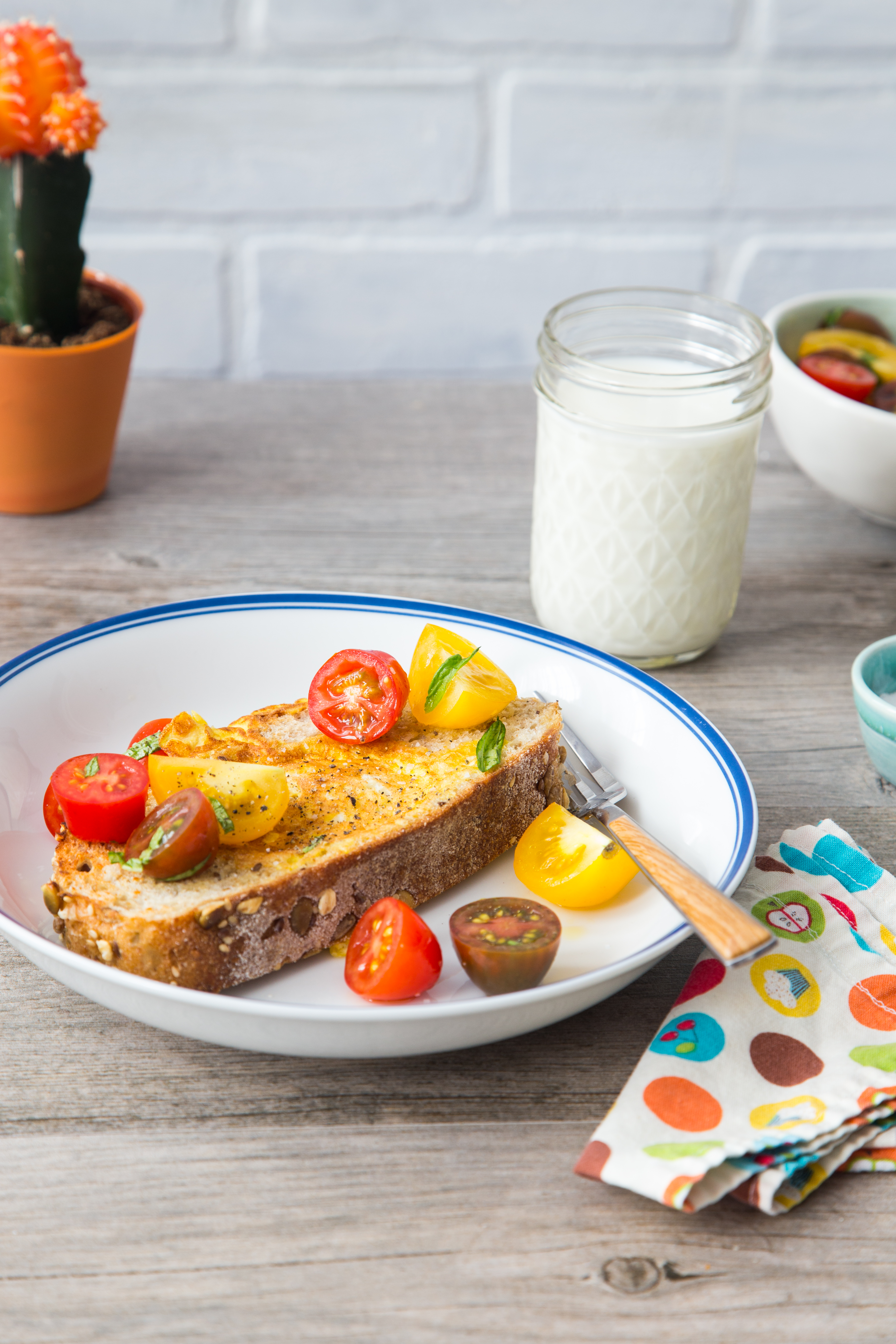 Scrambled Egg-in-a-Hole is a great school morning breakfast full of protein | Jelly Toast