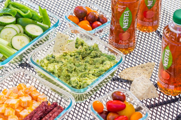 Quick Guacamole | Poolside Lunch Tips to make your summer easy, breezy