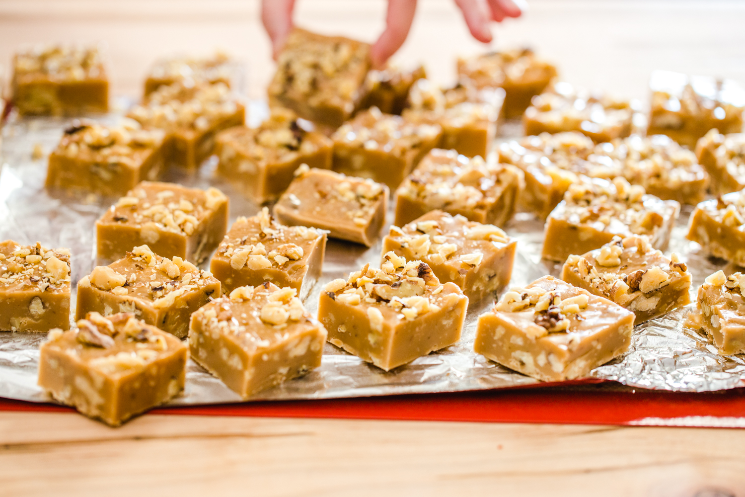 Gingerbread Marshmallow Fudge from Jelly Toast with Campfire® Gingerbread Marshmallows