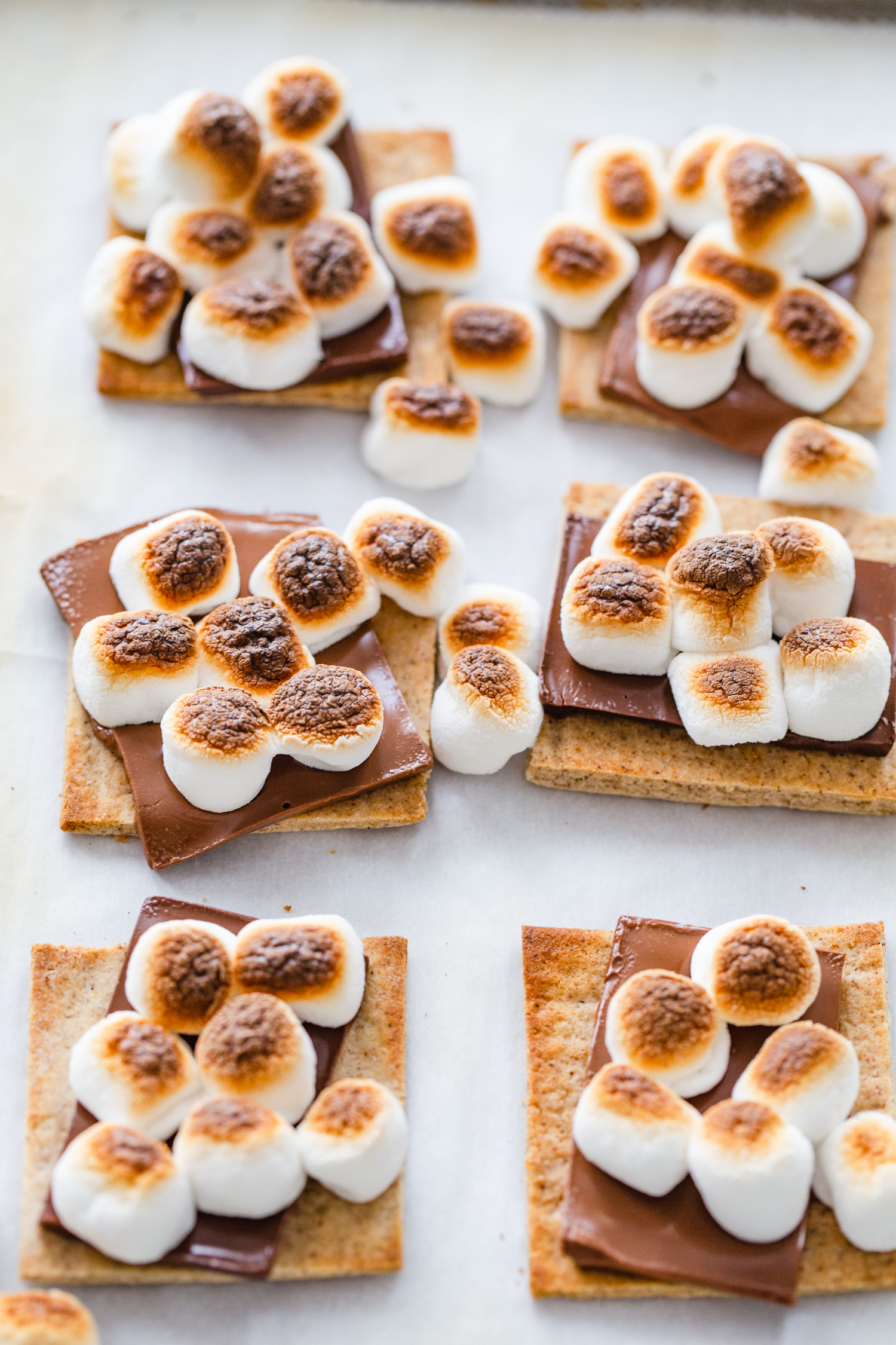 tray of toasted marshmallow smores
