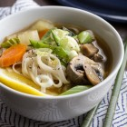 asian vegetable noodle soup {video}